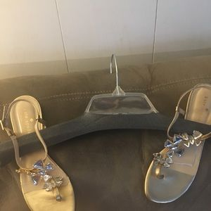 Kate Spade women sandals like new.